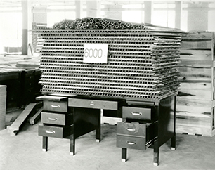 1924-Desk-Strength-And-Durability-edit